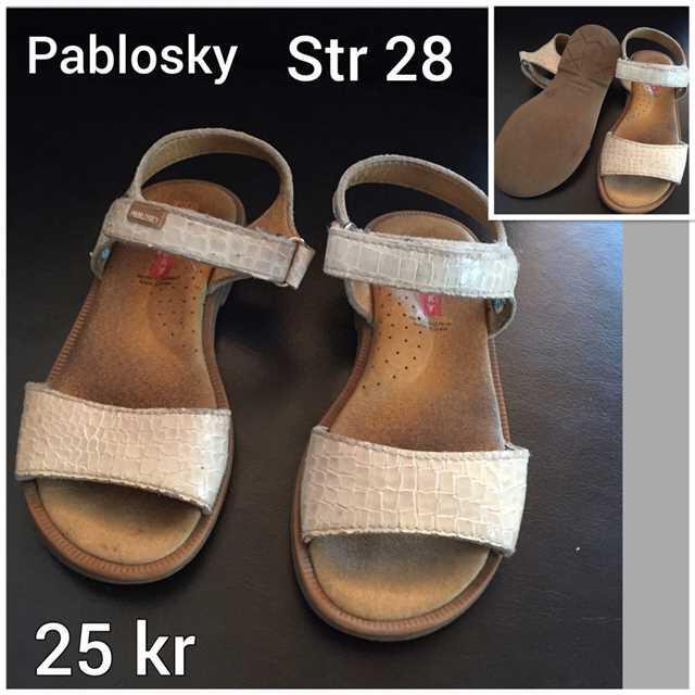 Sandaler str 28 .