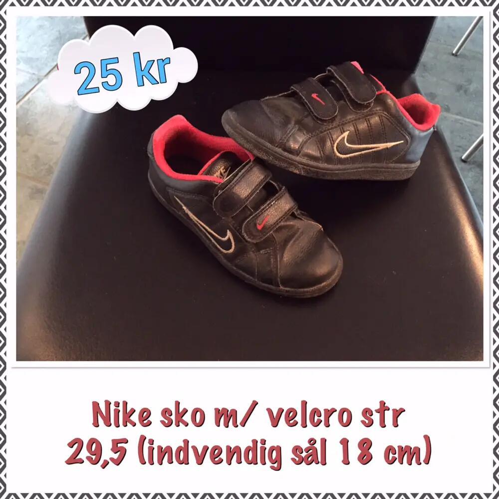 Nike .