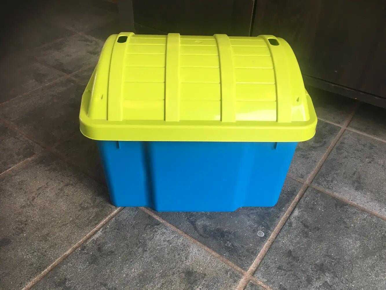 Plast Team kiste/ opbevaring .
