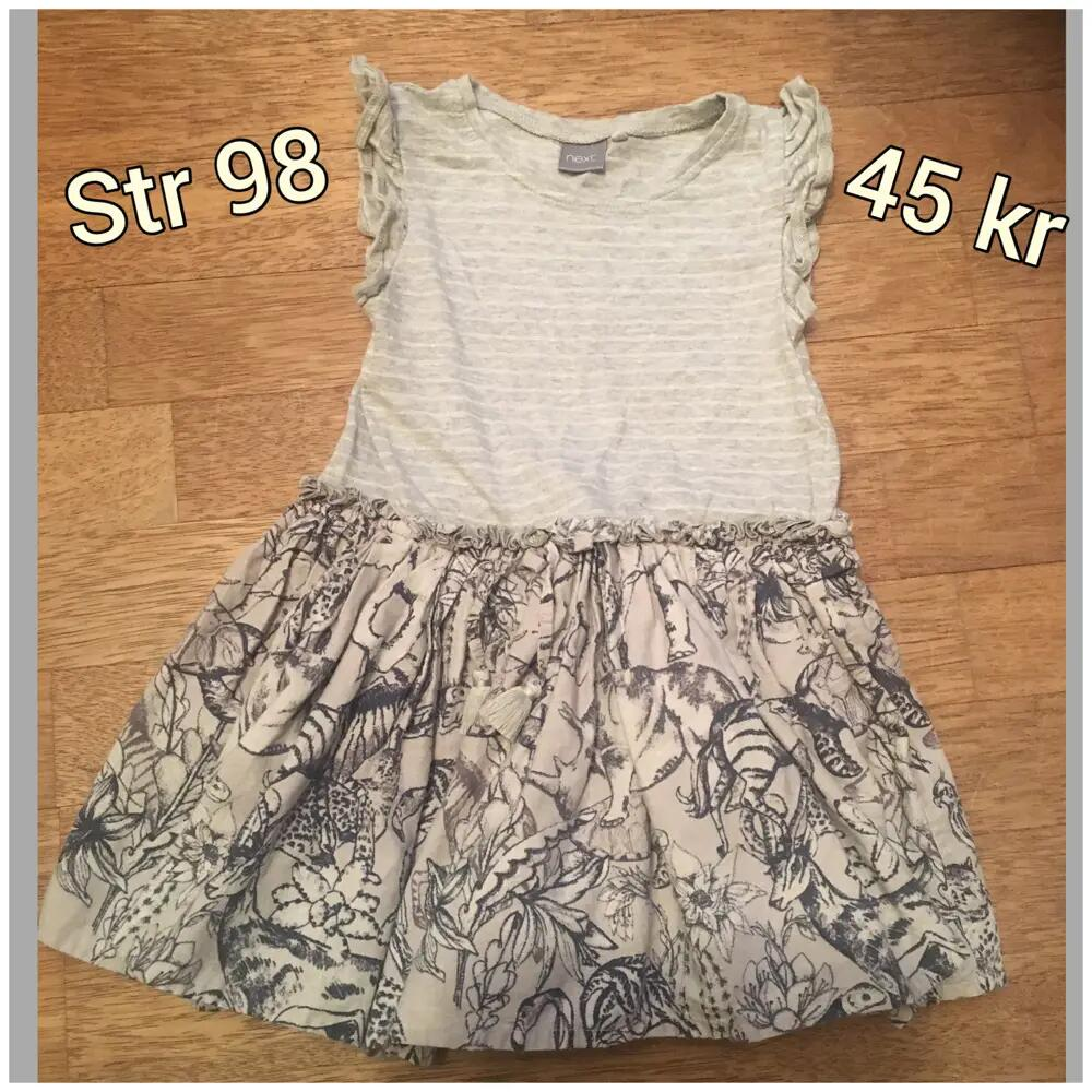 Next kjole .