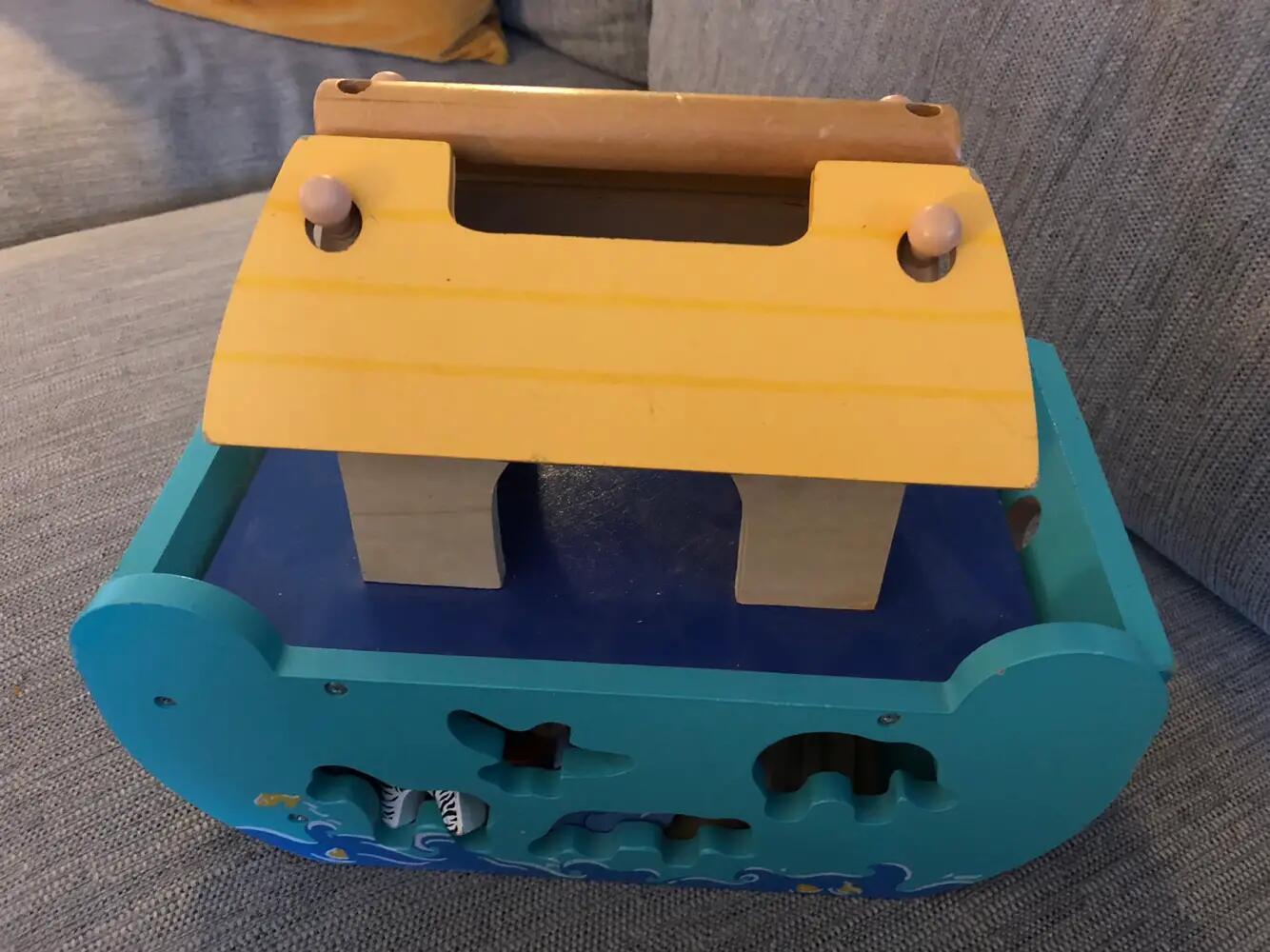 Le Toy Van Noahs ark