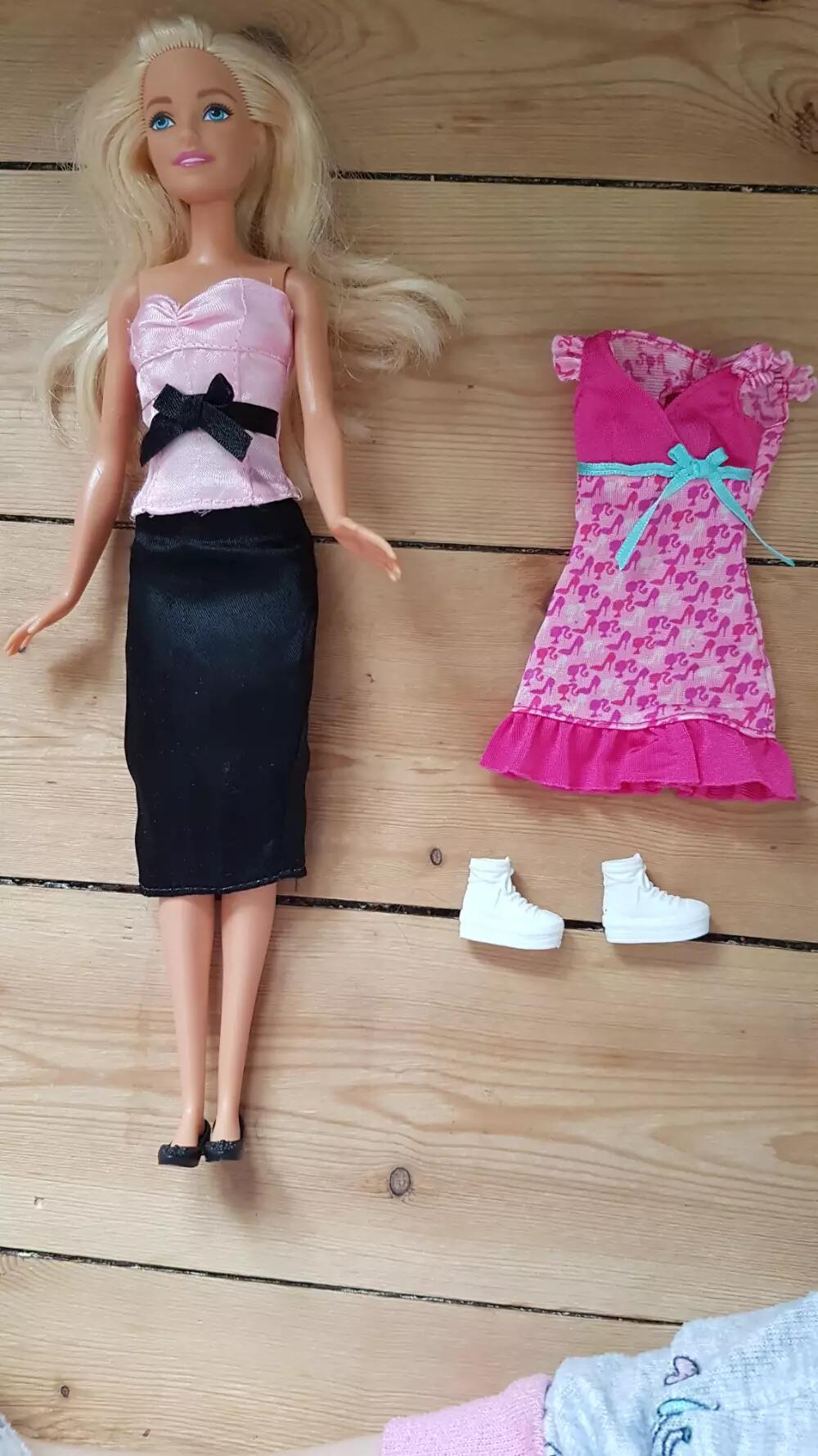 Barbie Dukke og tøj