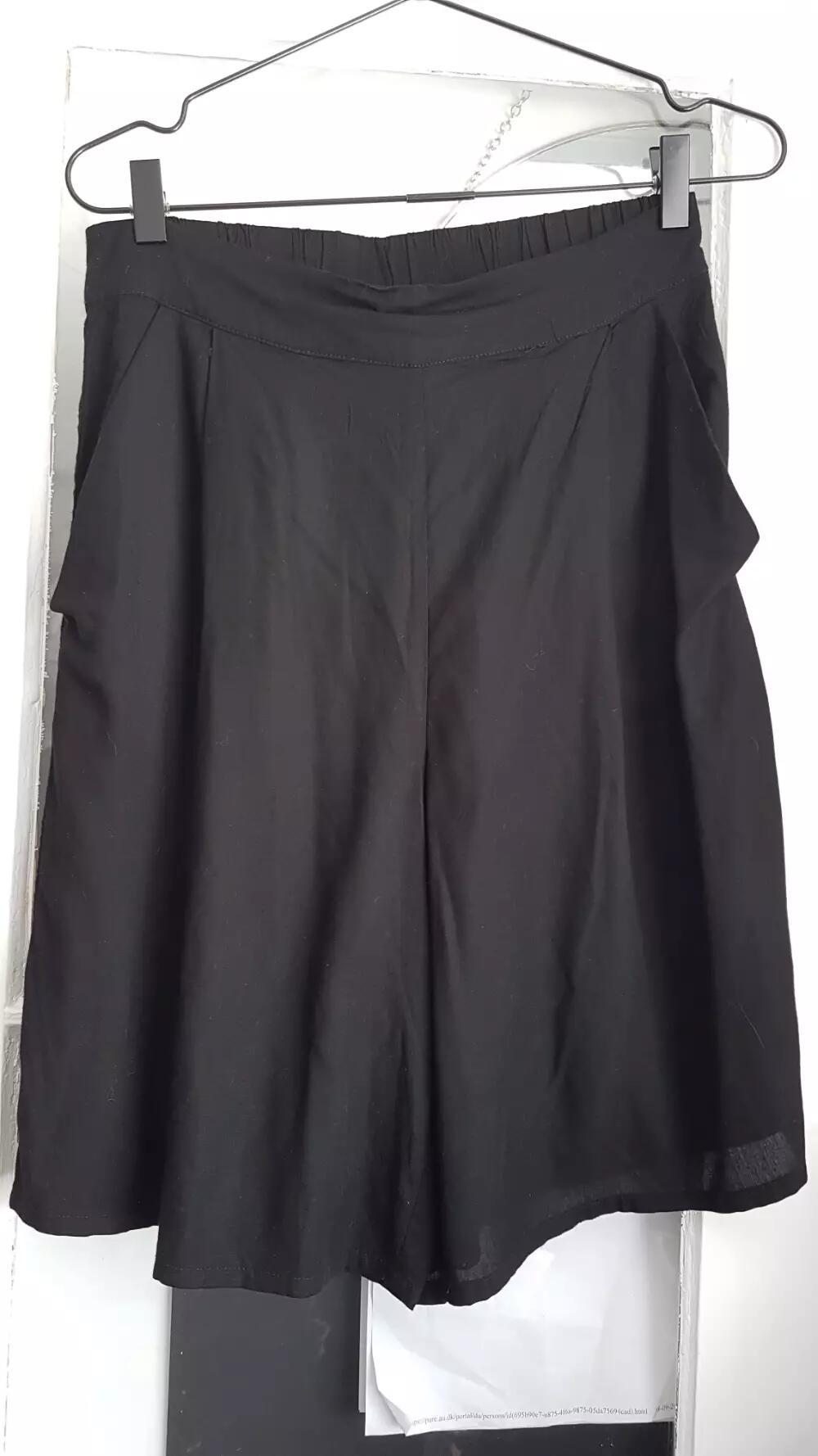 Monki Midi shorts